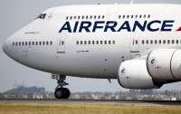 Вылет самолета задержали из-за драки пилотов