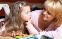 Совместное чтение и досуг делают детей умнее