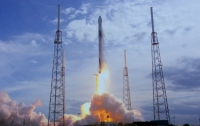 Ракета Falcon 9 с кораблем Dragon отправилась к МКС (видео)