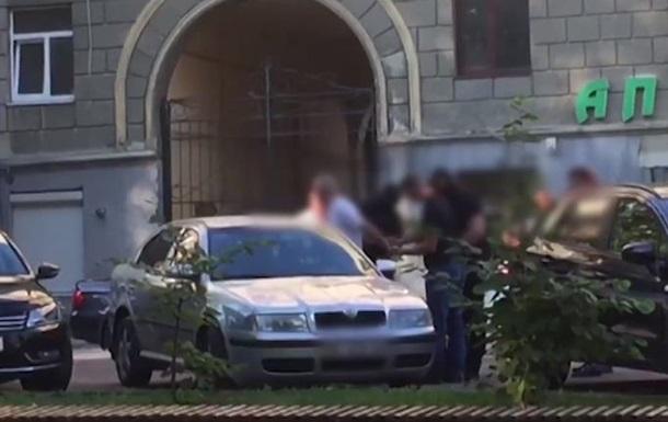 Во Львове капитан полиции покрывал карманных воров