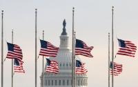 Трамп поручил приспустить флаги США из-за стрельбы в стране