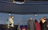 Болельщица выпала из вип-ложи во время матча КХЛ