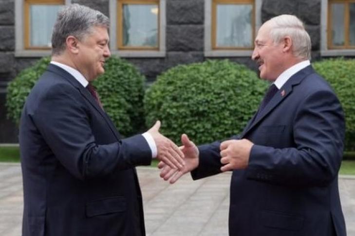 Порошенко назвал точную дату переговоров в«нормандском формате»