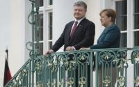 Порошенко едет в Германию: в планах встреча с Меркель и Макроном