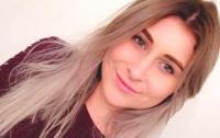 Девушка погибла, выпав из окна при попытке сделать селфи