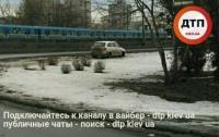 Серьезное ДТП в Киеве: автомобиль пролетел 30 метров