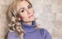 Автор песен Лорак начала рожать в онлайн-эфире (видео)