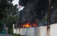 На Днепропетровщине возник пожар на фабрике