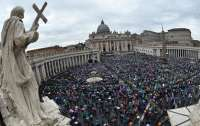 Папа Римский уменьшил зарплату