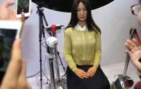 Китайские учёные презентовали созданную ими женщину-робота JiaJia
