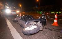 ДТП в Киеве: водитель Mercedes бросил в мопед бутылку, пострадал парень