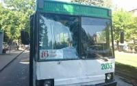 Троллейбус без тормозов влетел в маршрутку в Днепре, много пострадавших