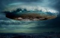 В облаках вблизи МКС зафиксировали прячущийся НЛО