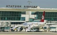 В аэропорту имени Ататюрка в Стамбуле столкнулись два пассажирских самолета