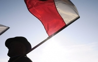 Польша выразила протест Украине из-за сожжения польского флага в Киеве