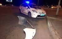 В Киеве полицейский автомобиль попал в серьезную аварию (видео)
