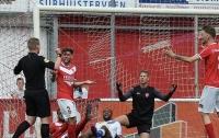 Голландский арбитр забил гол и засчитал его (видео)