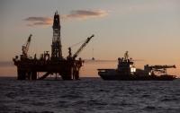 Цены на нефть продолжают расти из-за запасов в США