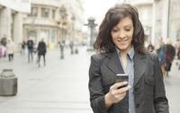 Американец решил засудить девушку за использование смартфона на свидании