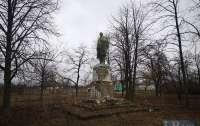 В селе Полтавской области решили снести Ленина