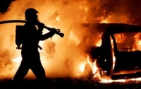 На авторынке сгорели сразу несколько авто