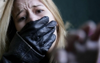 В Киеве банда подростков в масках похитила двух девушек. Объявлен план