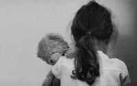 10-летнего ребенка насиловал сожитель бабушки