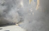 В Киеве националисты зажгли факел у памятника Ленину