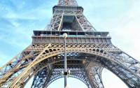 Эйфелеву башню опять закрыли из-за непогоды
