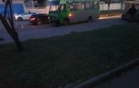 Пьяный водитель Chevrolet влетел в пассажирский автобус в Харькове