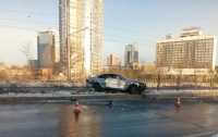 Жуткое ДТП в Харькове: водитель снес забор и сбежал, бросив машину