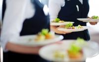 В шведском ресторане подрались 100 человек
