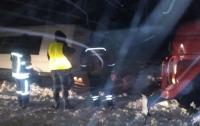 Под Запорожьем маршрутка с пассажирами слетела с дороги (видео)