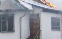 Мужчина поджег свой дом и застрелился