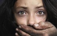 Житель Донбасса два года насиловал приемную дочь
