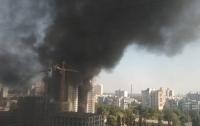 В Киеве горел недостроенный дом (фото)