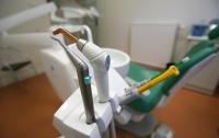 Девочка получила контузию в стоматологическом кабинете