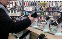 Ремонт смартфона с сюрпризом. Как крадут персональные данные украинцев
