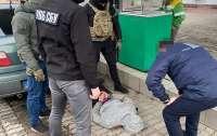 На Закарпатье таможенника поймали на взятке в $800