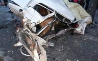 Ужасное ДТП в Днепре: авто превратилось в груду металла