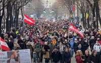 Тысячи людей в Австрии протестуют против карантина