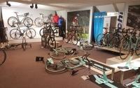 Прокатили: воры за три минуты украли велосипедов на 100 тыс. евро