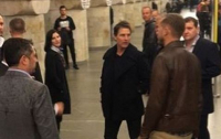 Том Круз приехал в Киев и спустился в метро (видео)