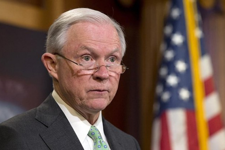 Сенатор-демократ Элизабет Уоррен требует отставки генерального прокурора США Джеффа Сешнса