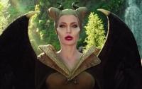 Анджелина Джоли заявила, что миру нужно больше злых женщин