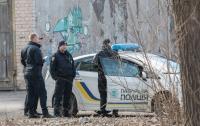 Возле детской больницы в Днепре нашли тело мужчины