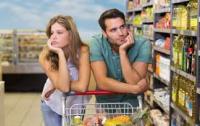 Украинцы в сентябре стали меньше скупаться в магазинах