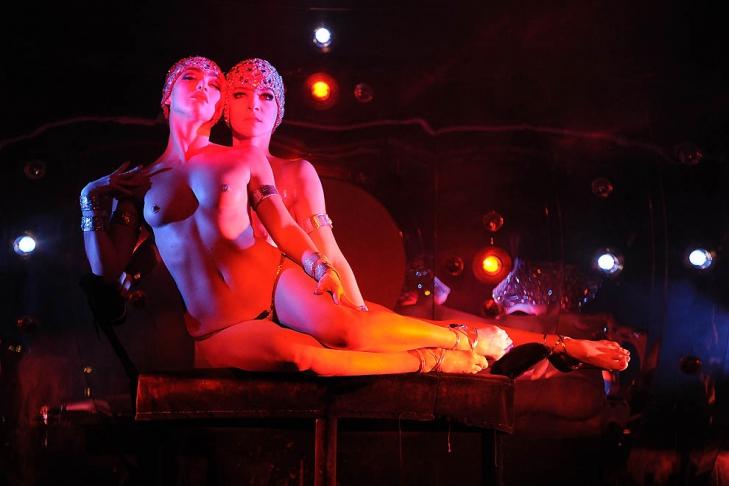эротический спектакль  VideoLike