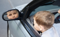 В Литве 10-летний мальчик вез пьяную мать