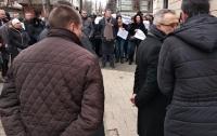 Здание Одесского медуниверситета снова атакуют рейдеры. Титушками руководит Владлена Дубинина (фото)